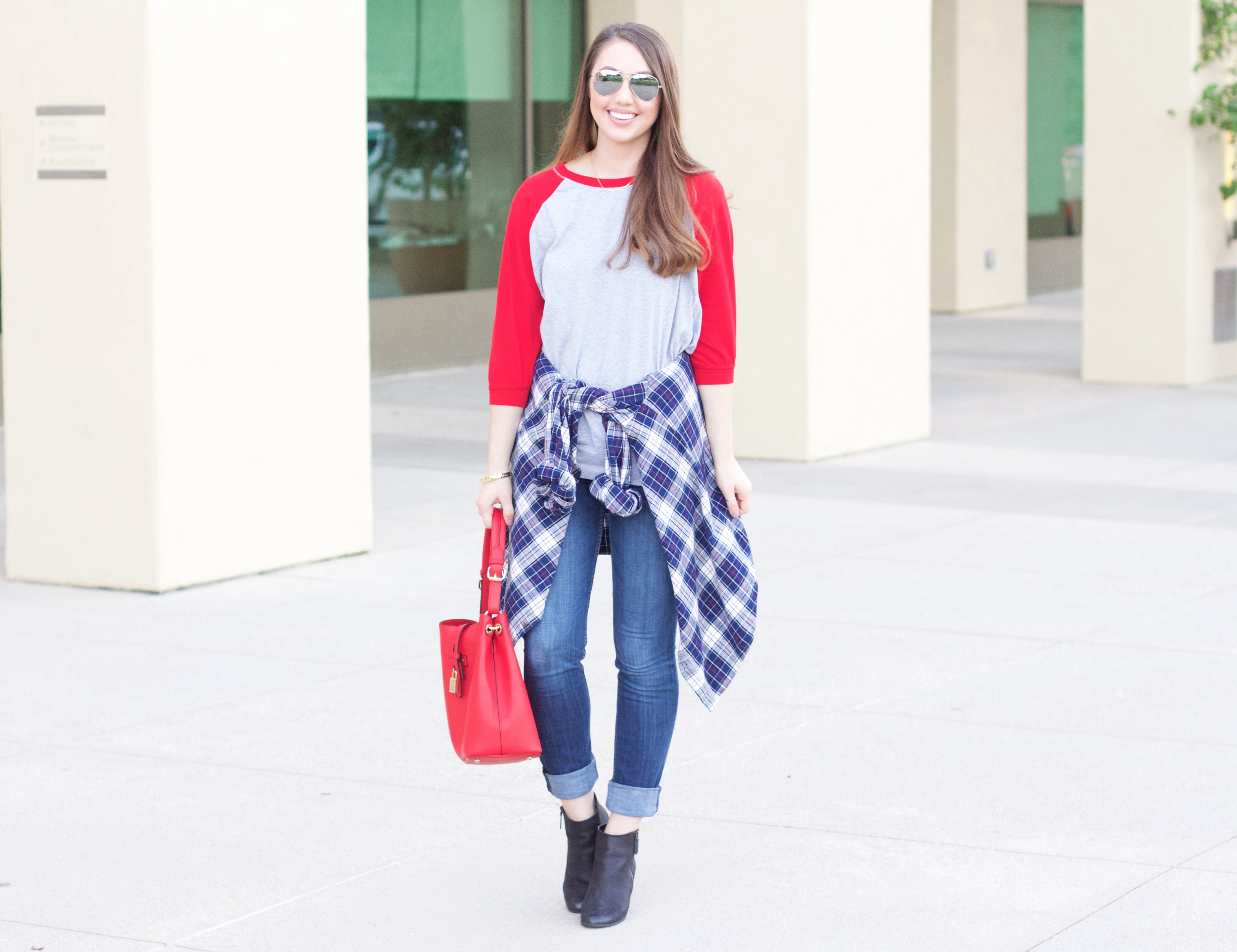 how to style a baseball tee