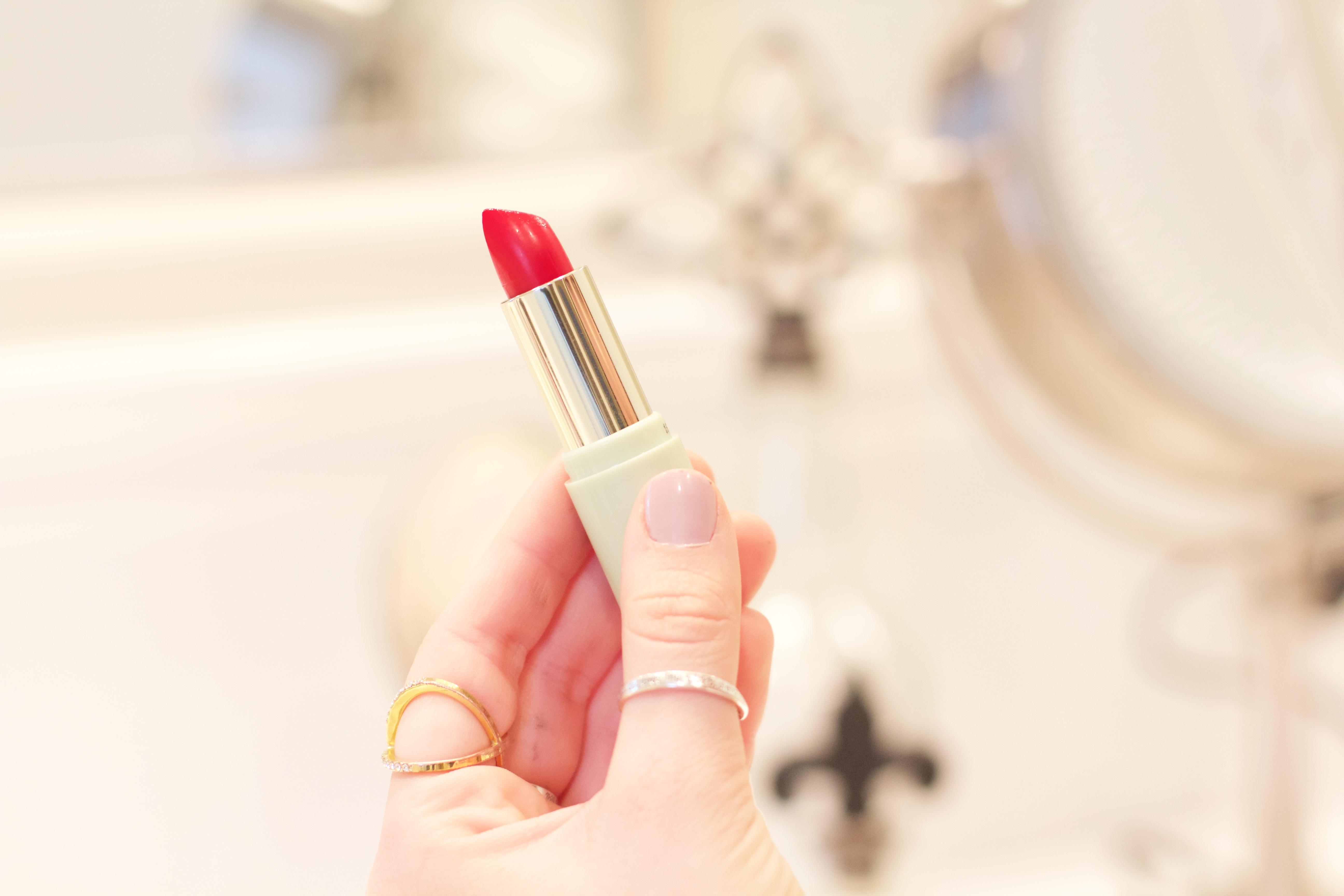 Mattelustre Red Lipstick - blue undertones