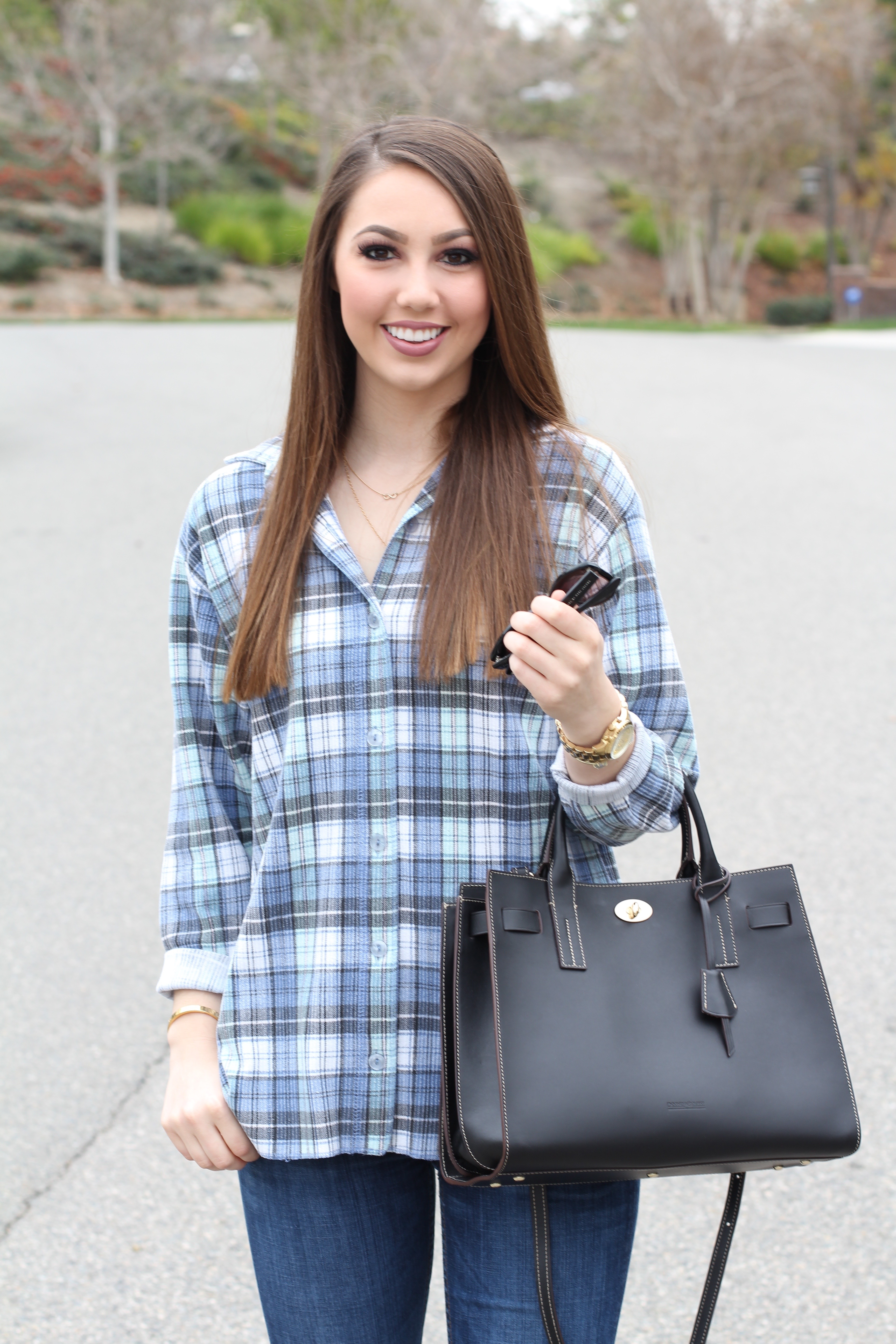 how to style an oversized flannel