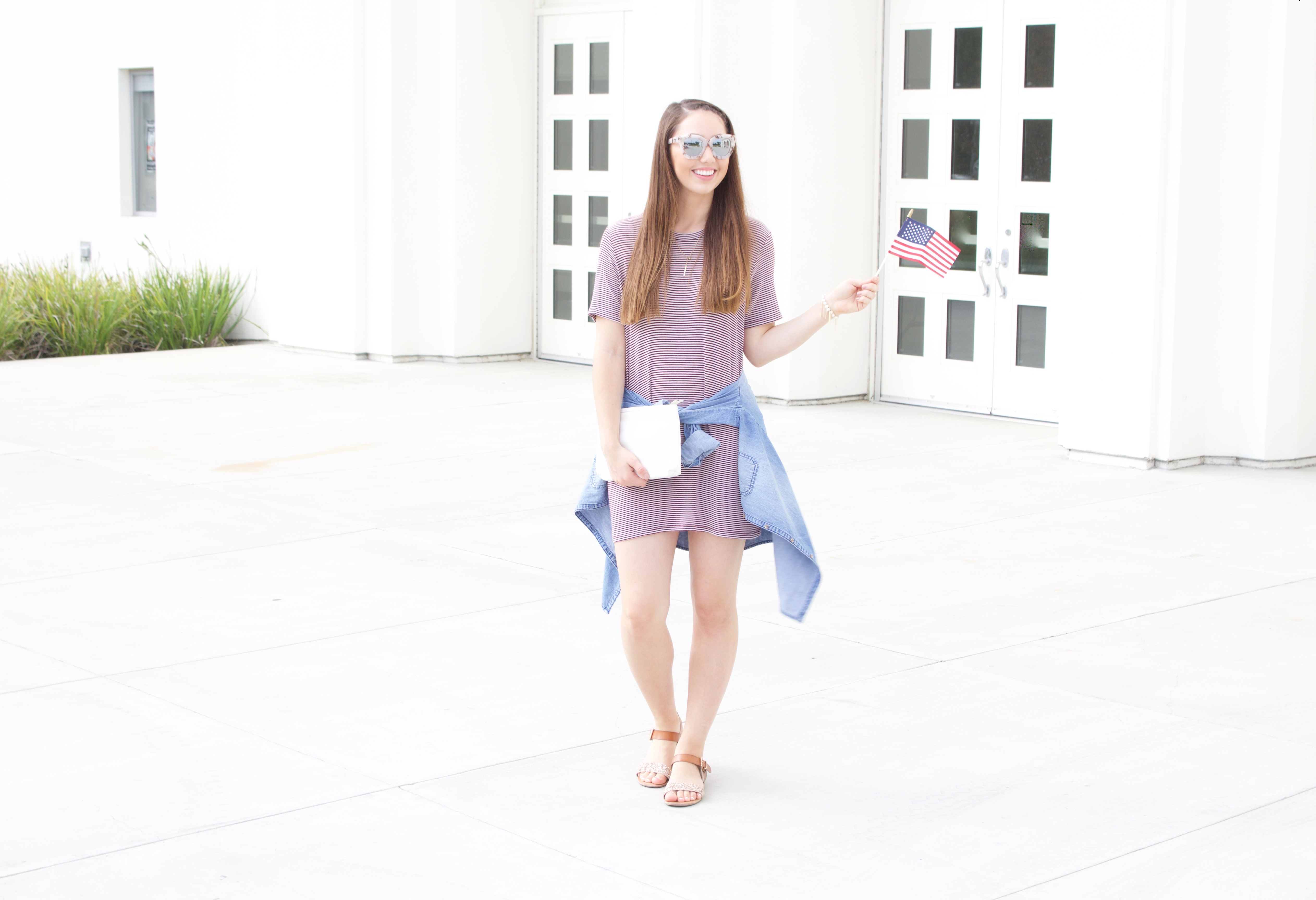 4th of July Outfit - t-shirt dress + chambray