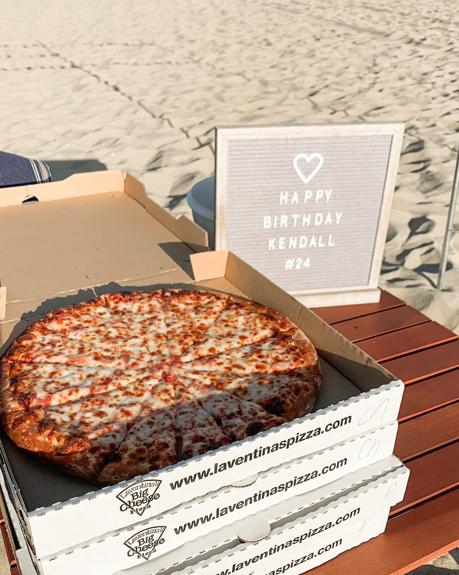 pizza at the beach