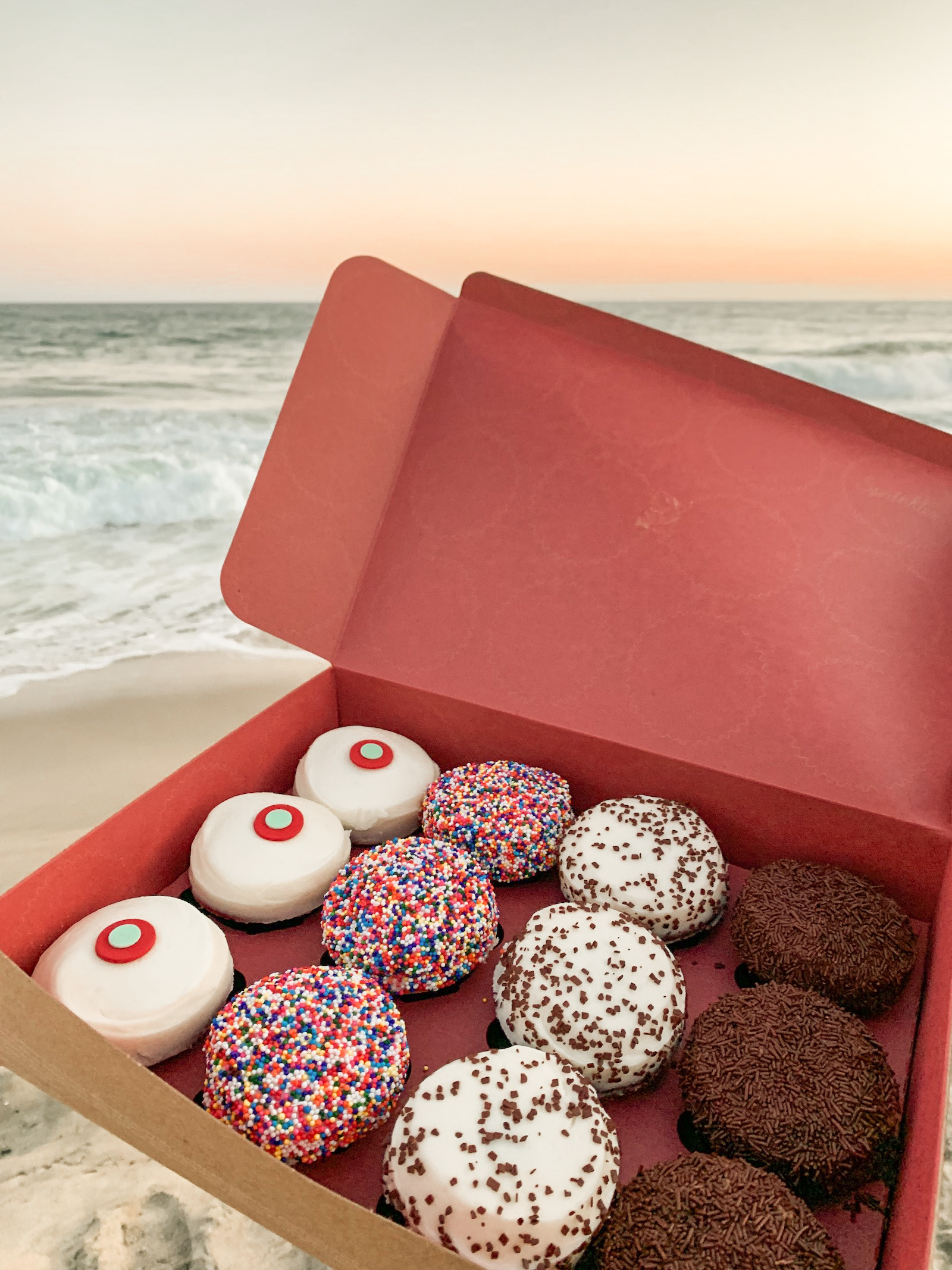 sprinkles cupcakes box 12