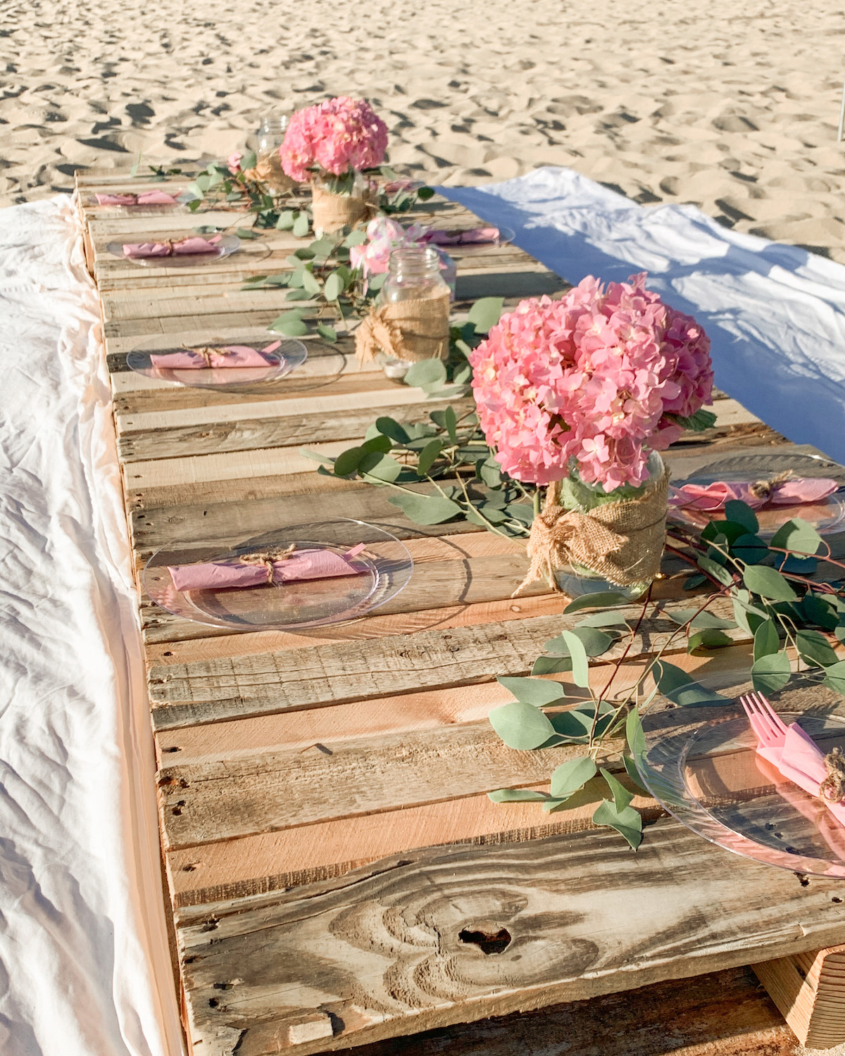 wood pallet table party